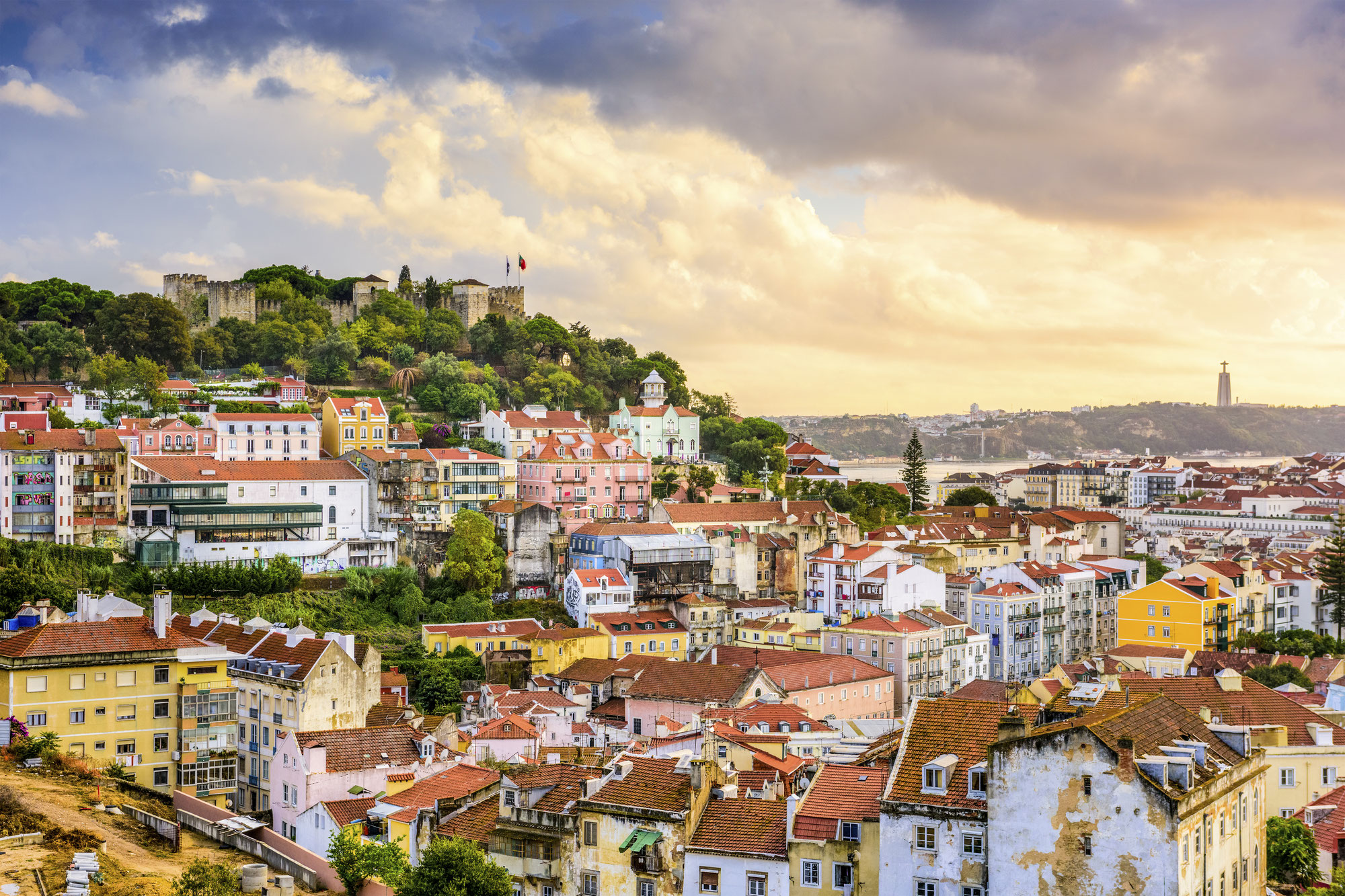 Portugal Has a New Travel Insurance Including Covid-19-Related Issues